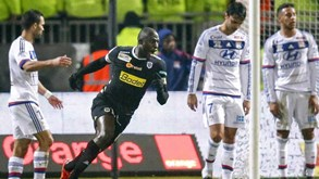Angers cimenta segundo posto à custa do Lyon