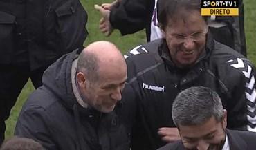 Sorrisos entre Antero Henrique e Manuel Machado após o apito final