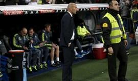 Adjunto de Zidane sem habilitações