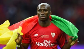 Stéphane Mbia assina pelo Hebei China Fortune