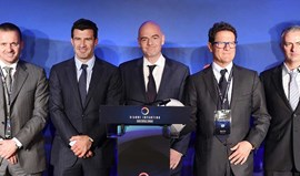 Gianni Infantino conta com apoio de Mourinho e Figo na corrida à FIFA
