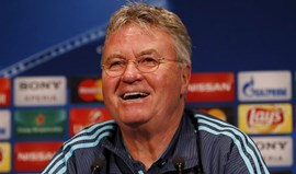 Guus Hiddink pede festa