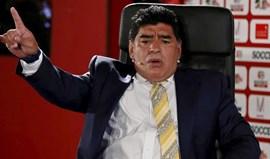 Maradona: «Deviam dar prisão perpétua a Blatter e Platini»