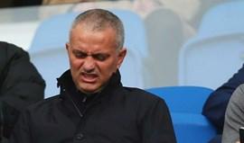 Mourinho já tem dores de cabeça com a defesa do Manchester United