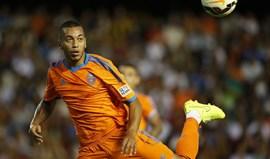 Ruben Vezo e Diego Alves desentendem-se em treino