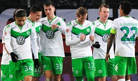 Wolfsburgo goleia em Hannover