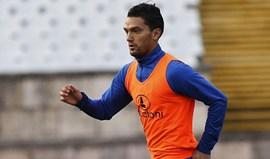 Aguilar chamado à seleção numa lista sem Teo Gutiérrez
