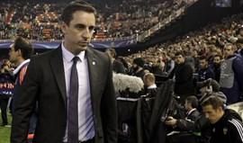 Gary Neville demitido do Valencia