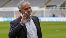 Valencia quer Mourinho no lugar de Gary Neville