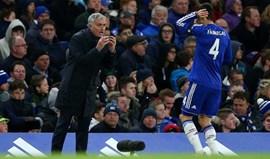 Fàbregas desaprendeu de jogar com Mourinho