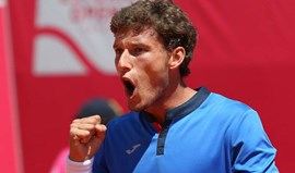 Carreno Busta salva set points e aproxima-se de nova meia-final