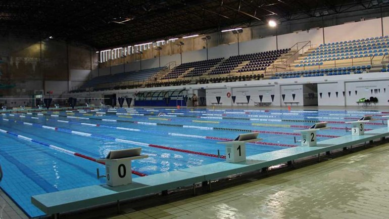 Nadar sem parar gps jornal record for Piscina universitaria
