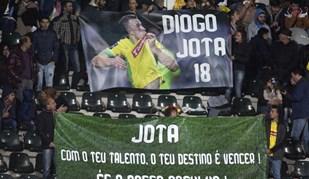 Adeptos do P. Ferreira despedem-se de Diogo Jota