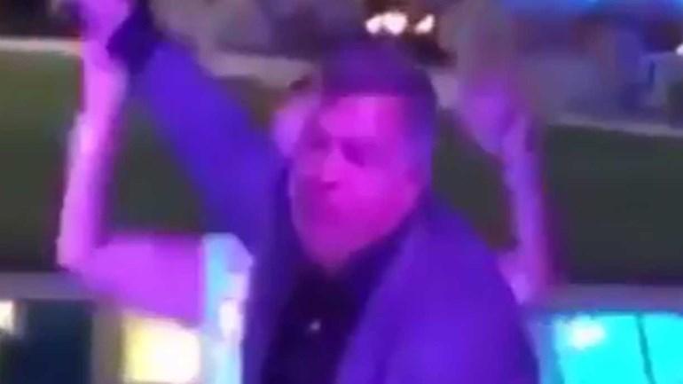 Big Sam Allardyce a 'bombar' na 'night' em estilo 'old school'