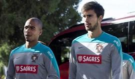 André Gomes e João Mário titulares neste onze de Mourinho