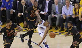 Cavs salvam primeiro 'match point' liderados por Irving e James