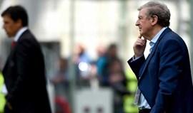 Hodgson admite dor de cabeça no ataque