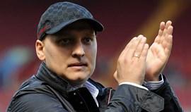 Stiliyan Petrov vai fazer pré-temporada com o Aston Villa