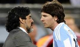 Maradona pede a Messi para ficar na seleção argentina