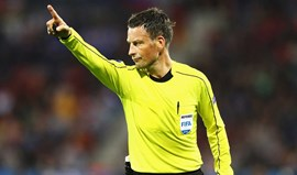 Mark Clattenburg arbitra Portugal-França