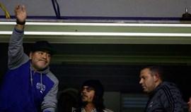 Maradona: «Dói-me que Higuaín vá para um rival direto»