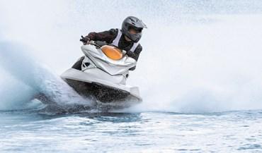 Alta velocidade em moto de água