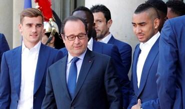 Hollande recebe equipa desolada