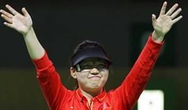 Zhang Mengxue sagra-se campeã em pistola de ar comprimido a 10 metros