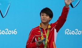 Shi Tingmao vence prova de trampolim a três metros