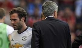 Mourinho elogia Mata numa resposta... 'elaborada'