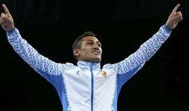 Fazliddin Gaibnazarov conquista ouro em 64 kg