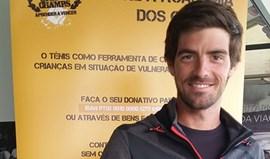 Raqueta que 'deu' entrada no top 100 a Gastão Elias em leilão da Academia dos Champs