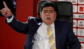 Maradona tentou viajar com passaporte... roubado