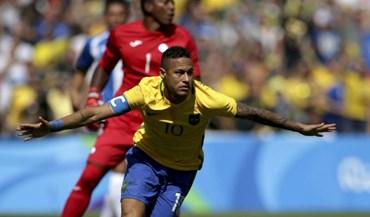 Brasil cilindra Honduras e é o primeiro finalista