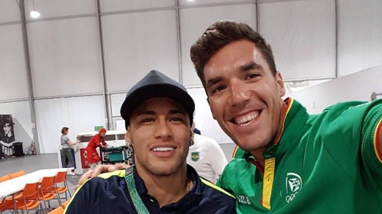 Olha quem tirou uma foto com Neymar!