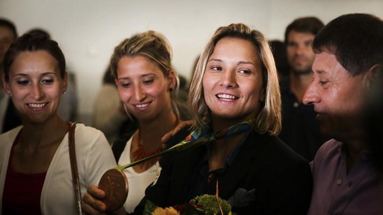 A chegada emotiva de Telma Monteiro a Lisboa