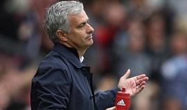 Mourinho diz que o árbitro não quis assinalar penálti cometido por Bravo