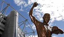 Newcastle imortaliza Alan Shearer