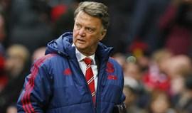 'Fantasma' de Mourinho já assombrava Van Gaal muito antes do despedimento
