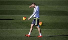 Deschamps continua sem chamar Benzema