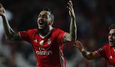 Futebol total na Luz: 10 jogadores, 12 passes, 29 toques, 32 segundos e... golo