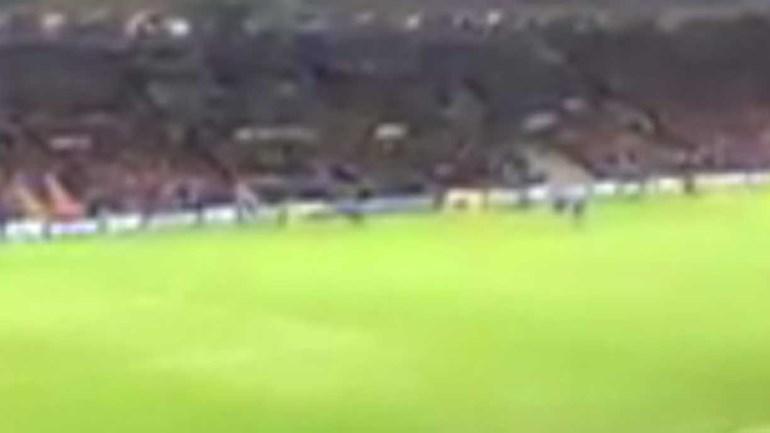 Slimani é um 'deus' em Leicester: ouça os adeptos após o golo ao FC Porto