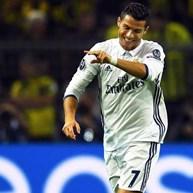 Há quem garanta que Ronaldo já tem a quarta Bola de Ouro em casa...