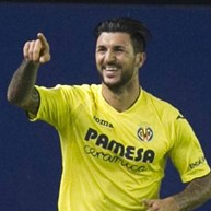 Villarreal goleia Celta e volta a colar-se ao Barcelona