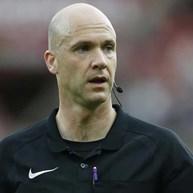 Que perigo corre o árbitro do Liverpool-Man. United?