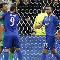 Grupo H: Buffon brilha em jogo resolvido por Cuadrado