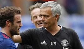 Está tudo bem entre Mata e Mourinho e o espanhol até se ri de tantas mentiras