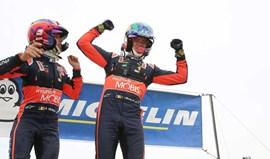 Thierry Neuville renova com Hyundai