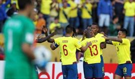 América do Sul: Claudio Bravo evita goleada do Chile