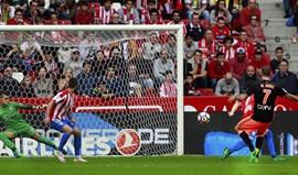 Valencia vence na estreia de Prandelli